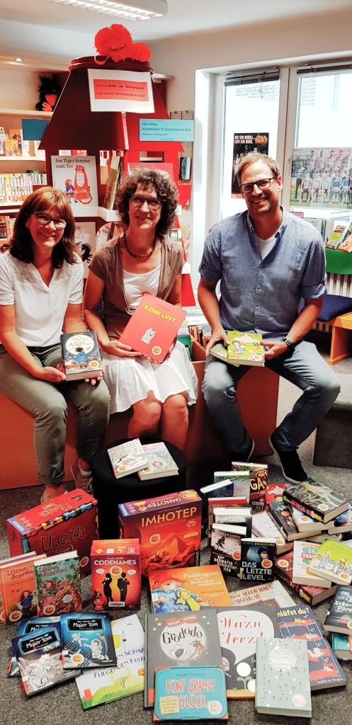 GBIK stellt Bücher für die KÖB Anrath
