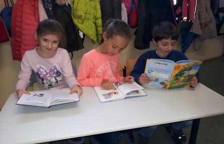 Neue Bücher für die Albert-Schweitzer-Schule Viersen